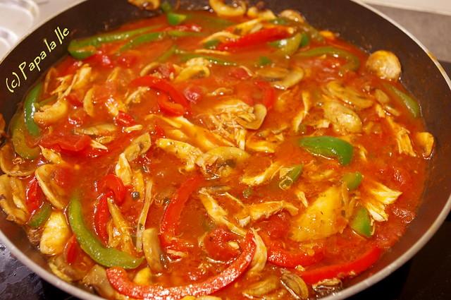 Tagliatelle cu ardei, ciuperci si pui (5)