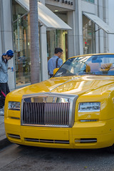 vehicle registration plate(0.0), supercar(0.0), automobile(1.0), automotive exterior(1.0), rolls-royce(1.0), rolls-royce wraith(1.0), vehicle(1.0), performance car(1.0), automotive design(1.0), rolls-royce phantom coupã©(1.0), rolls-royce phantom(1.0), rolls-royce phantom drophead coupã©(1.0), antique car(1.0), land vehicle(1.0), luxury vehicle(1.0), sports car(1.0), motor vehicle(1.0),