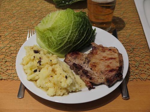 Kotelett zu Wirsing und Kartoffelstampf