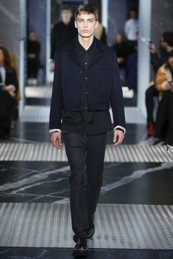 Marc Schulze3056_FW15 Milan Prada(VOGUE)