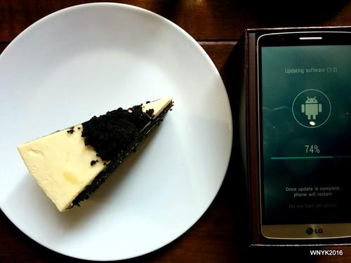 Black Velvet & Smartphone