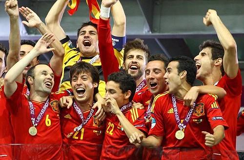 Hoy mismo comienza la UEFA Eurocopa 2016 en Francia! Si alguien piensa que por ser independentista no quiero que gane España o no apoyo a España, siento decirle que se equivoca y mucho! #VamosEspaña #ESP #Eurocopa2016 #PESEUROS #PESEURO16 #UEFA #EURO2016