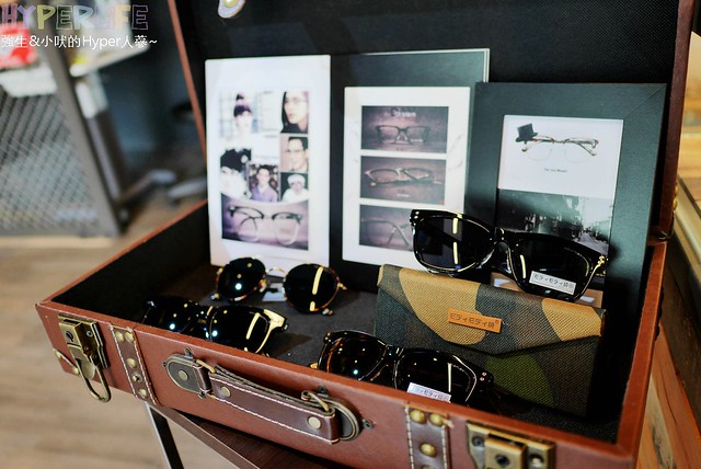 北屯,台中,吠式穿搭,眼鏡,穿搭,萊亞光學眼鏡,配眼鏡 @強生與小吠的Hyper人蔘~