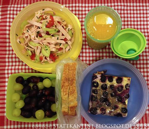 Stattkantine 19. Februar 2013 - Wurstsalat, Blaubeer-Schmand-Kuchen, Trauben
