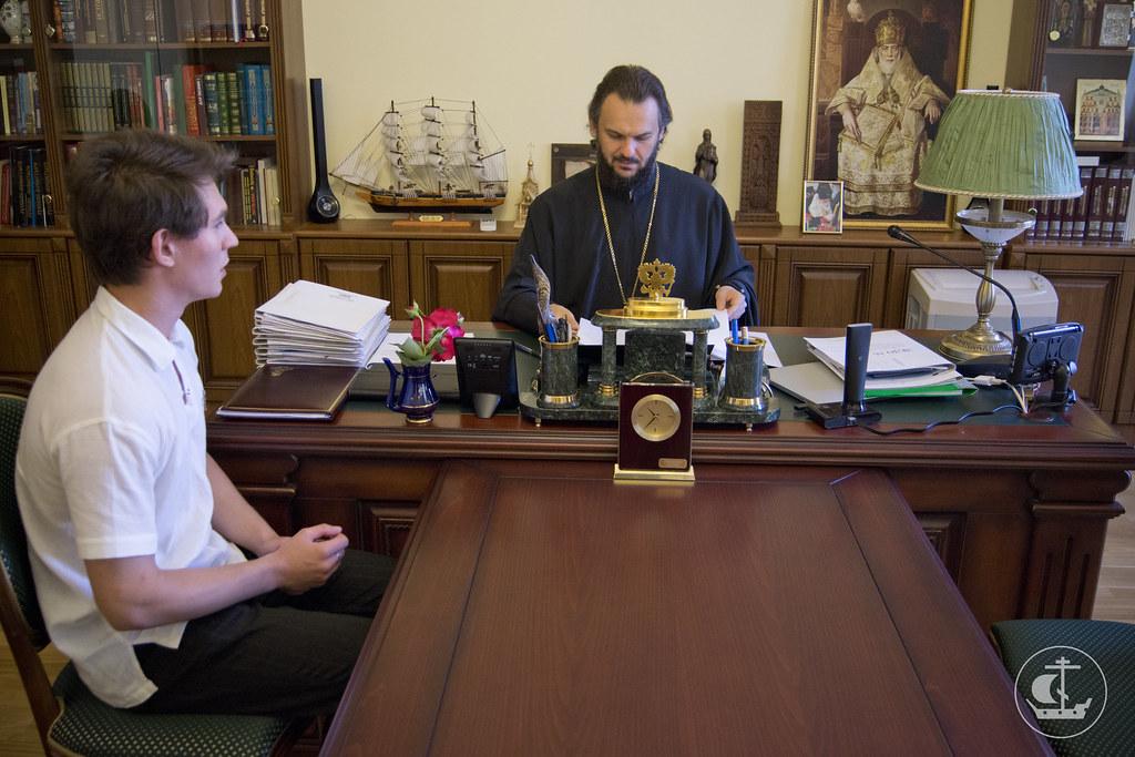 13 августа 2013, Первый день вступительных экзаменов на бакалавриат и служба накануне Происхождения честных древ Животворящего Креста