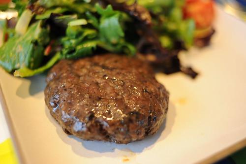 黒肉ハンバーグ