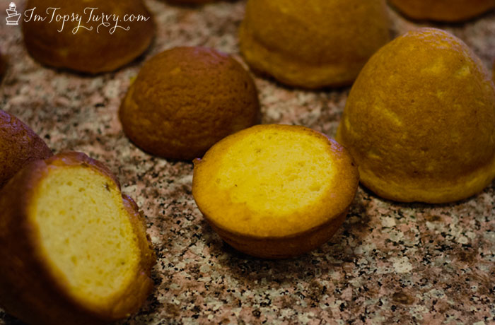 mini-honey-pot-cakes-cut