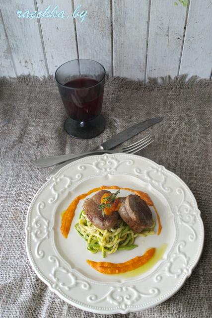 свинина и салат 031