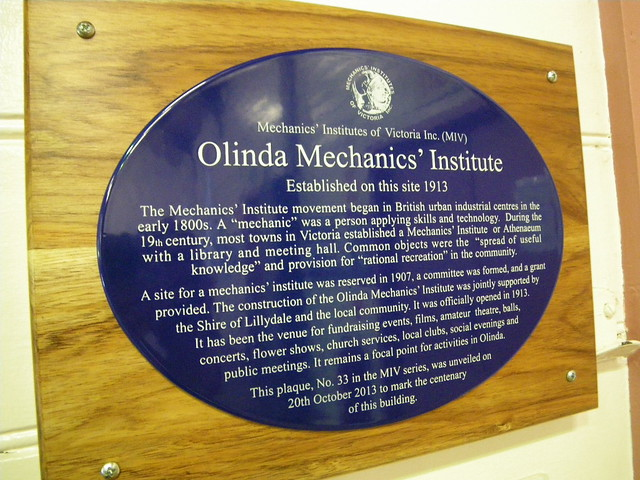 Photo of Olinda Mechanics' Institute blue plaque