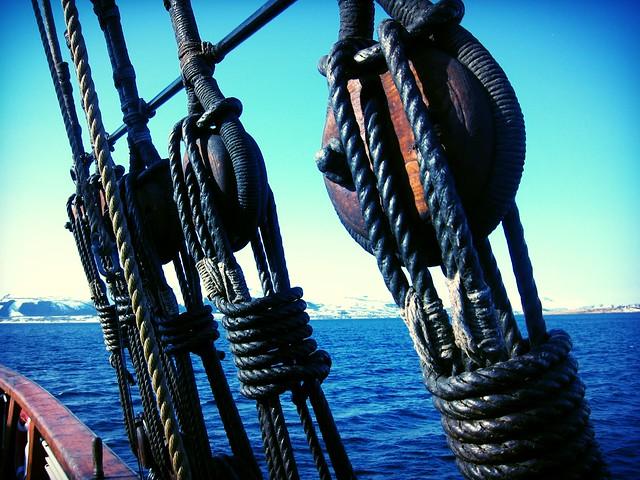 On board Nordlandsjekta Brødrene, Sortlandssundet