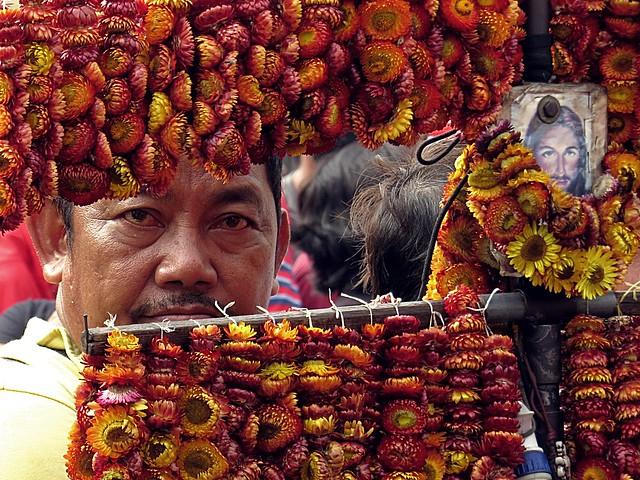 Everlasting vendor. Photographed by Bernard Eirrol Tugade