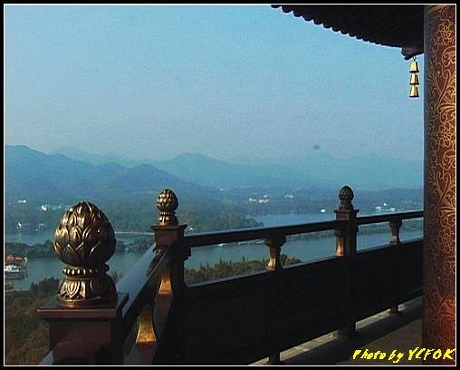 杭州 西湖 (其他景點) - 356 (西湖十景之 雷峰塔上背景是蘇堤與花港觀魚方向)