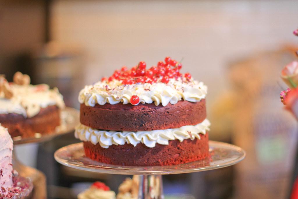 Red velvet cake at Lili Vanilli