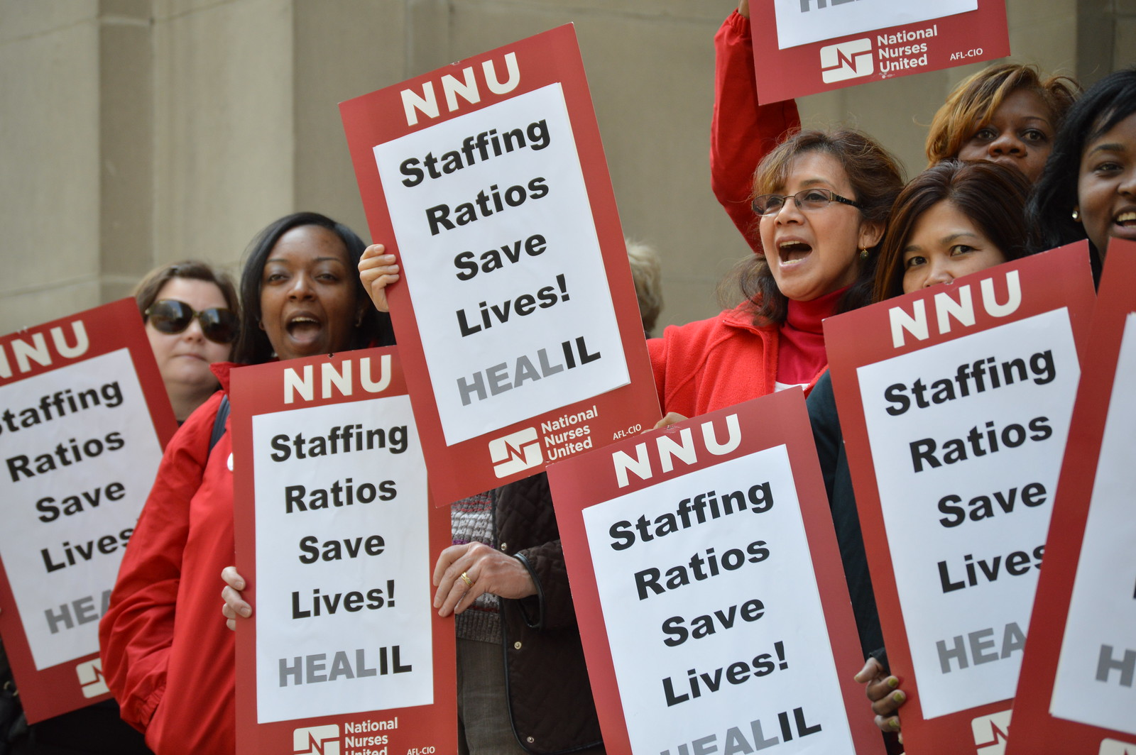 RNs rally for safe staffing ratios
