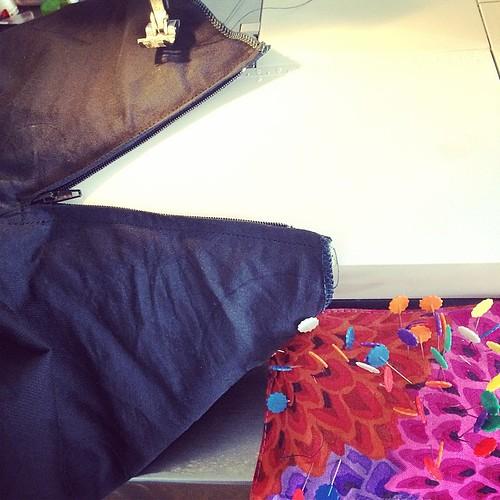 I need new pants:) Ho bisogno di nuovi pantaloni:)