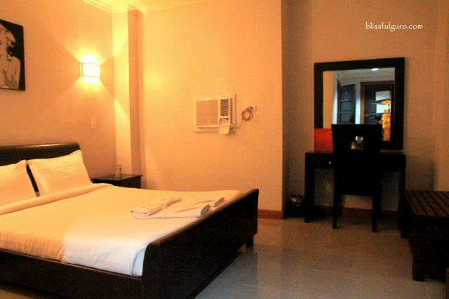Holiday Plaza Hotel Tuguegarao Standard Deluxe Room