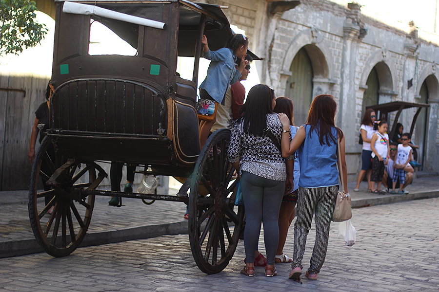 Vigan-tourists_06