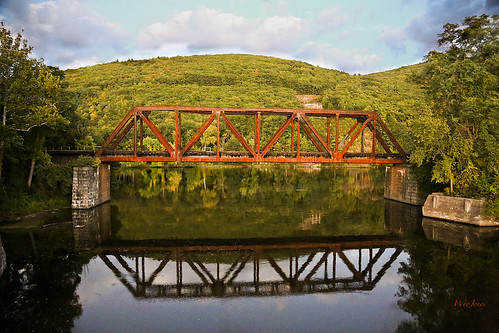 bridge tree reflections river vermont rusty junction np brattleboro ironoxide connecticutriver westriver nearsunset rustred wantastiquet windhamcounty newenglandcentralrailroad wyojones watersofthelonelyway activebridge