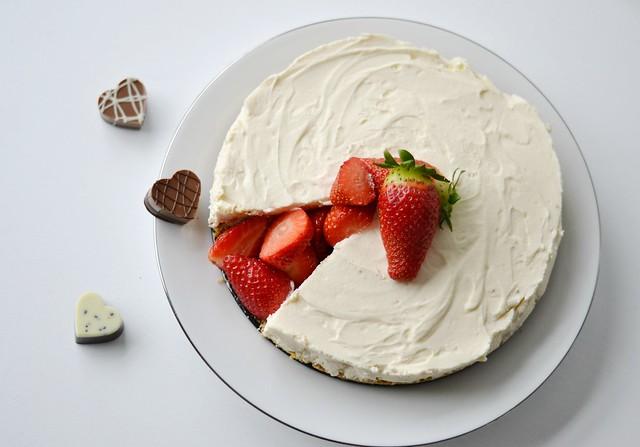 Lindtt Strawberries and Cream Cheesecake 7