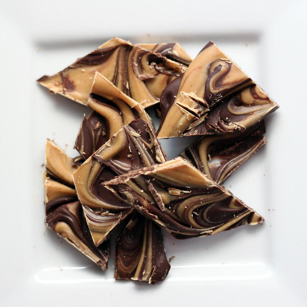 "<a href=""https://www.flickr.com/photos/glutenfreenosh/16522429215"" title=""chcolate peanut butter bark by Eve, on Flickr""><img src=""https://farm8.staticflickr.com/7450/16522429215_49308a45cd_b.jpg"" width=""1024"" height=""1024"" alt=""chcolate peanut butter bark""></a>"
