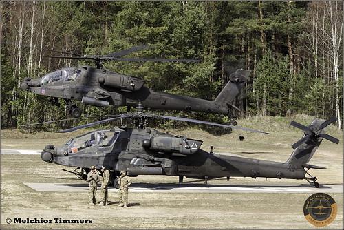 AH-64D 04-05439, 07-05535