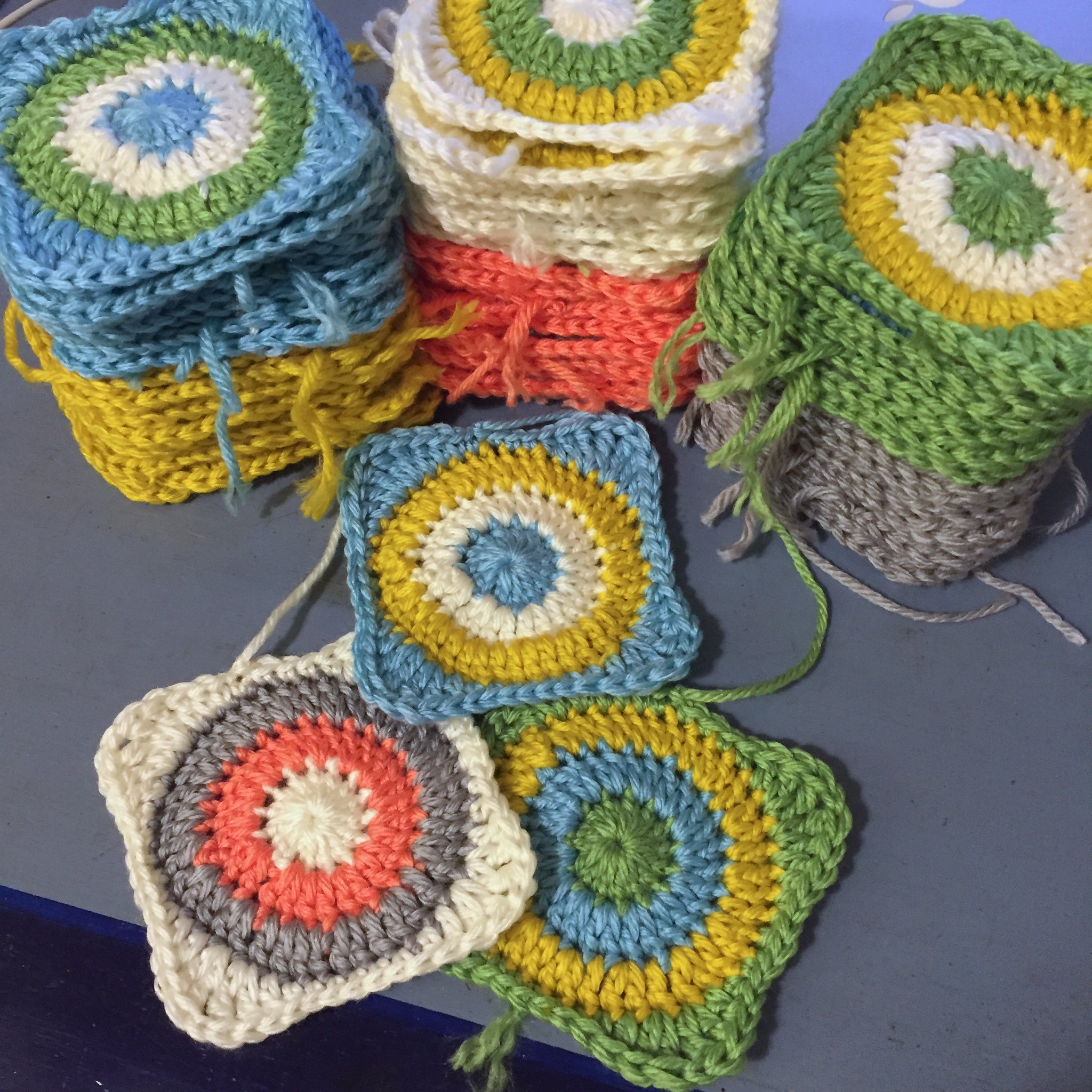 Suvi\'s Crochet: Retro Baby Dots Blanket