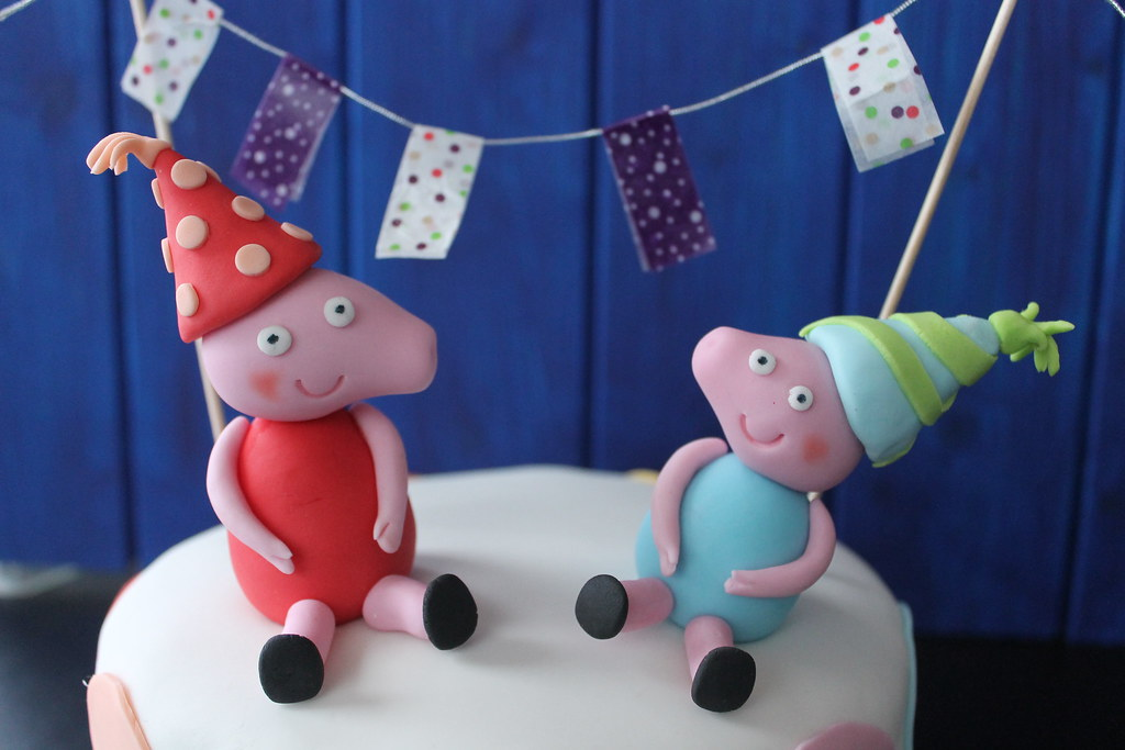 Gallecookies: tartas de hello kitty y peppa pig...y mucho más