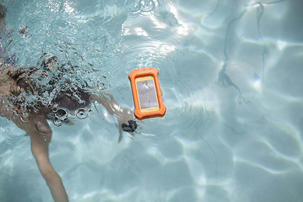 lifeproof float 1