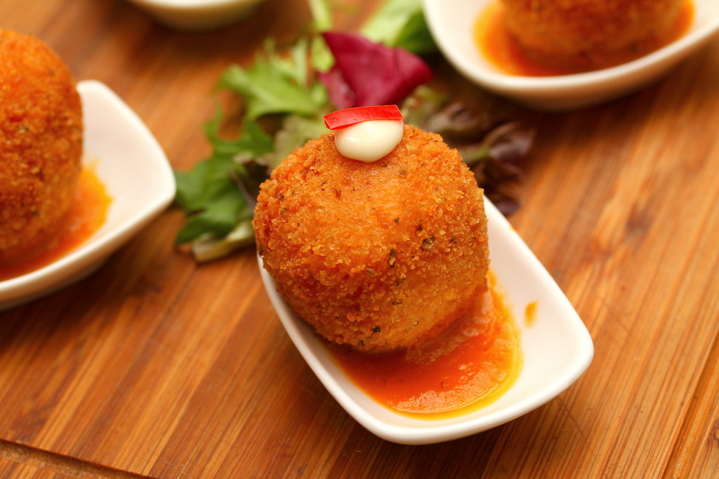 Noti Restaurant and Bar: Deep Fried Risotto Ball