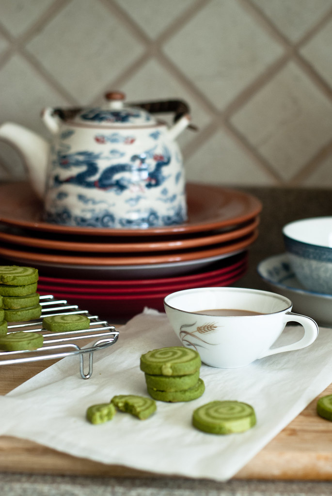 Coffee and matcha shortbread, vertical.