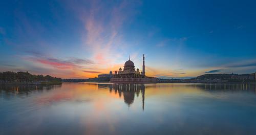 lake sunrise canon muslim slowshutter islamic 5dmarkii 1635f28mk2