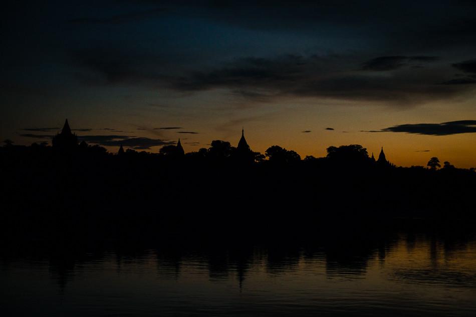 2013 10 06_z2strony_lodka do Bagan_PA060056