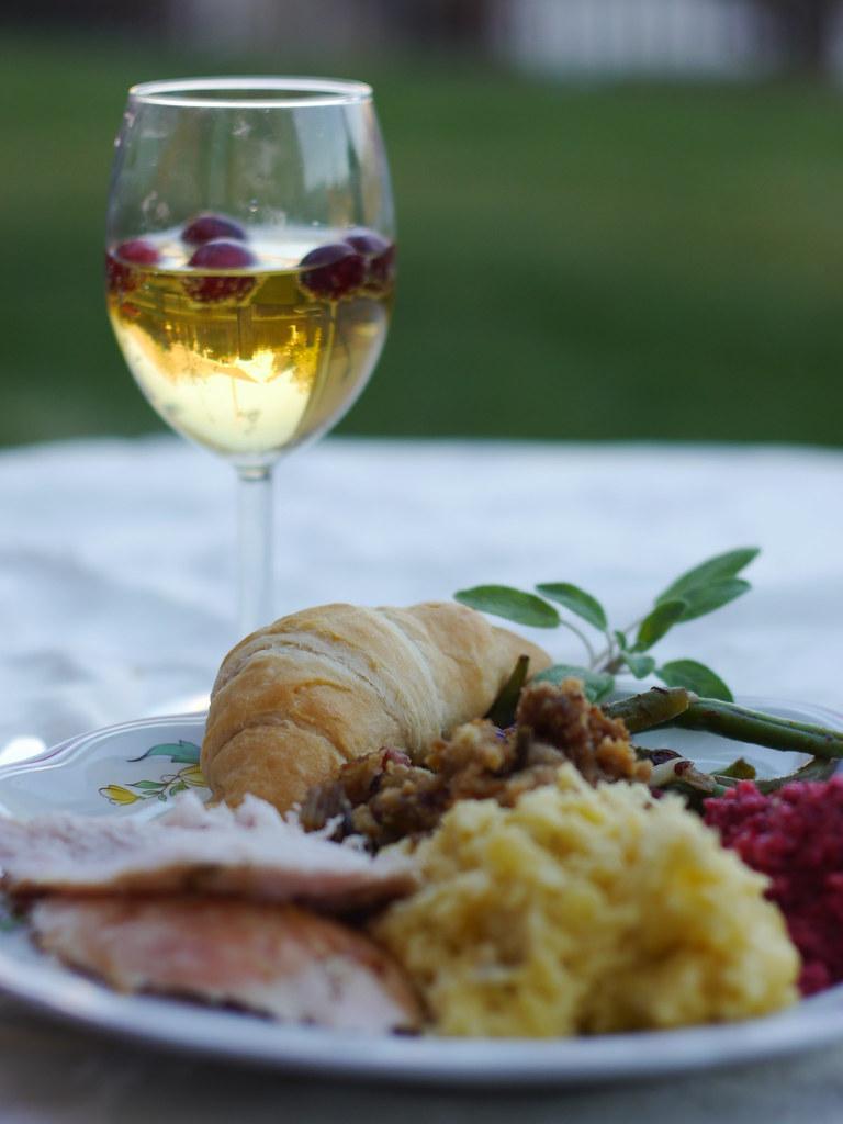 Thanksgiving for 1 (Guest Post by SilingLDS Girl} via LittleFerraroKitchen.com