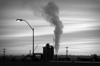 industrial air pollution (by: TheEnvironmentalBlog.org, creative commons)