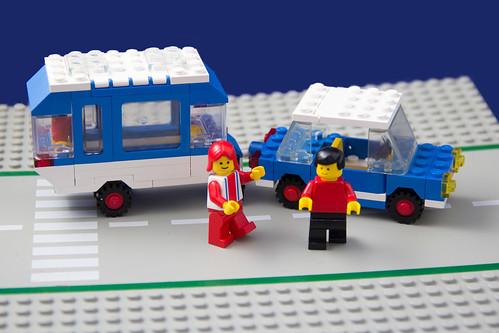 LEGOLAND # 6694 - car with camper