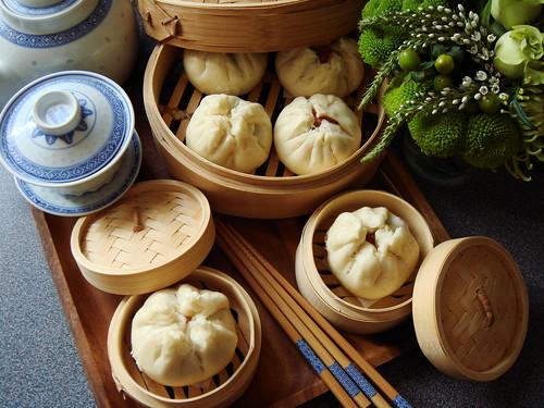 Steamed Char Siu Bao 叉燒包 (Cantonese Barbecue Pork Buns)