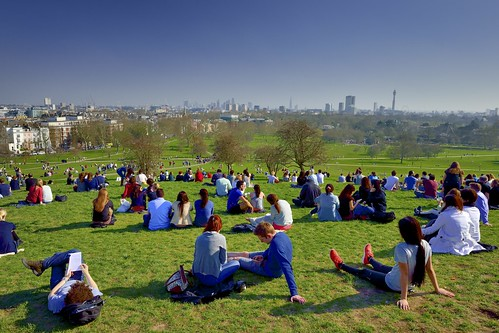 London, Primrose Hill - First day of British summer  Z14_1922