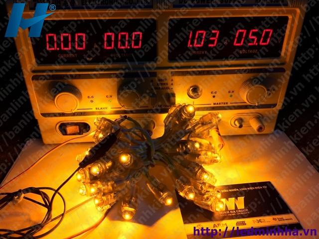 LED Đúc Phi 8 Đế 12 Vàng
