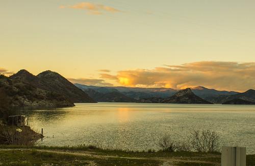 sunset lake mountains water clouds landscape see eau wasser sonnenuntergang wolken berge landschaft woda montenegro закат вода crnagora virpazar пейзаж горы озеро облака черногория