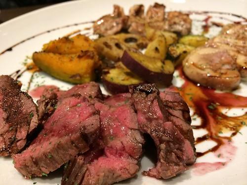 牛肉のタリアテッレ、海道1954豚の香草グリル焼き、鴨胸肉のロースト@渋谷KAIRI