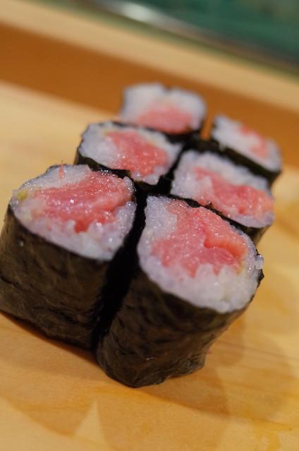 Tekka maki sushi roll