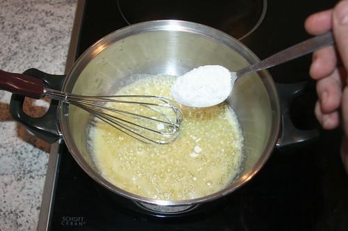 35 - Mehl einrühren / Stir in flour