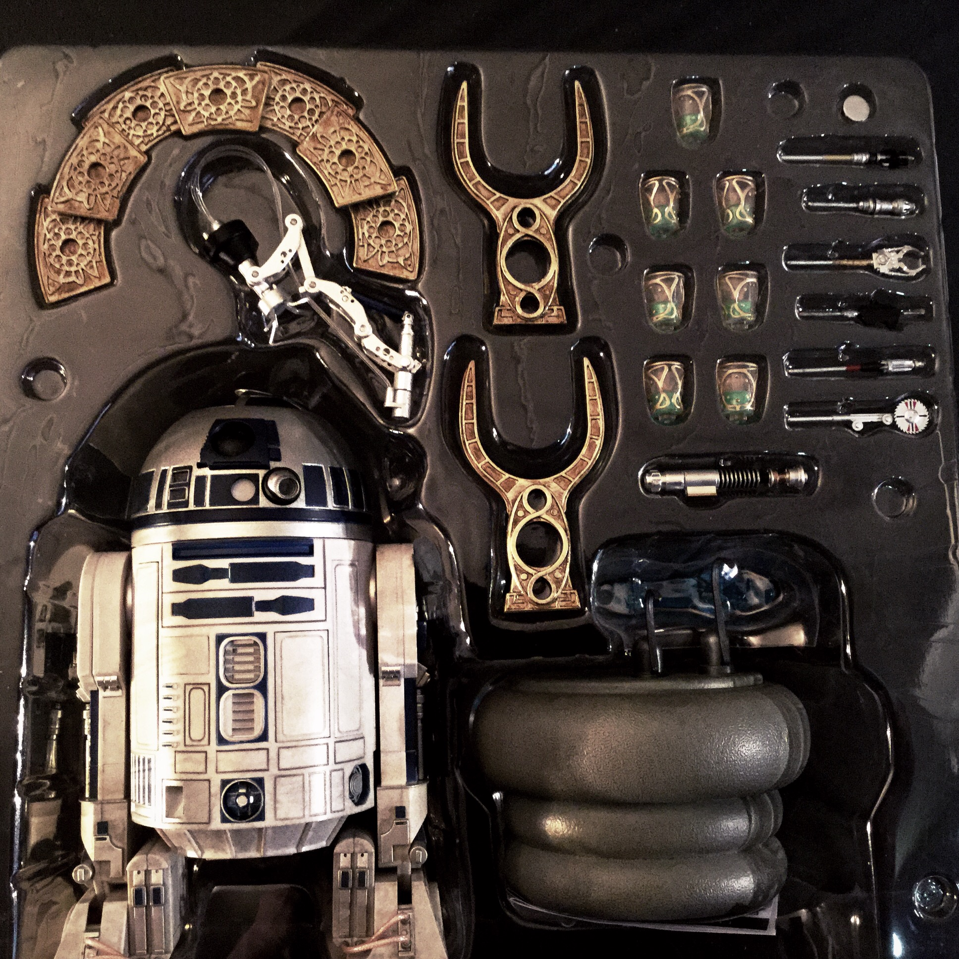 [REVIEW] Star Wars : R2-D2 Deluxe (Sideshow) 16256620970_35a0548278_o