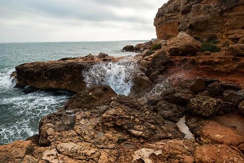 water robin rock spain wasser surf sony espana obi fels tamron der stein spanien roberson brandung oberson tamronspaf1024mmf3