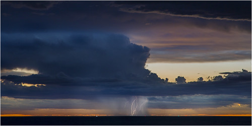 sunset storm canon indianocean perth lightning westernaustralia coogee woodmanpoint perthstorm therebeastormabrewin 5d3