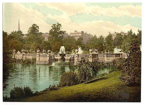 [Kensington Gardens, the fountains, London, England]  (LOC)