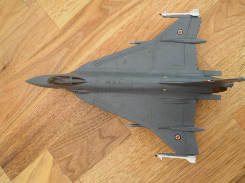 Les faucons de Mostar [General Dynamics F-16 XL Monogram] 9419319698_3221d48354_c