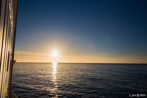 sunrise antarctica deceptionisland akademiksergeyvavilov canonef28300mmf3556lisusm canoneos5dmarkiii