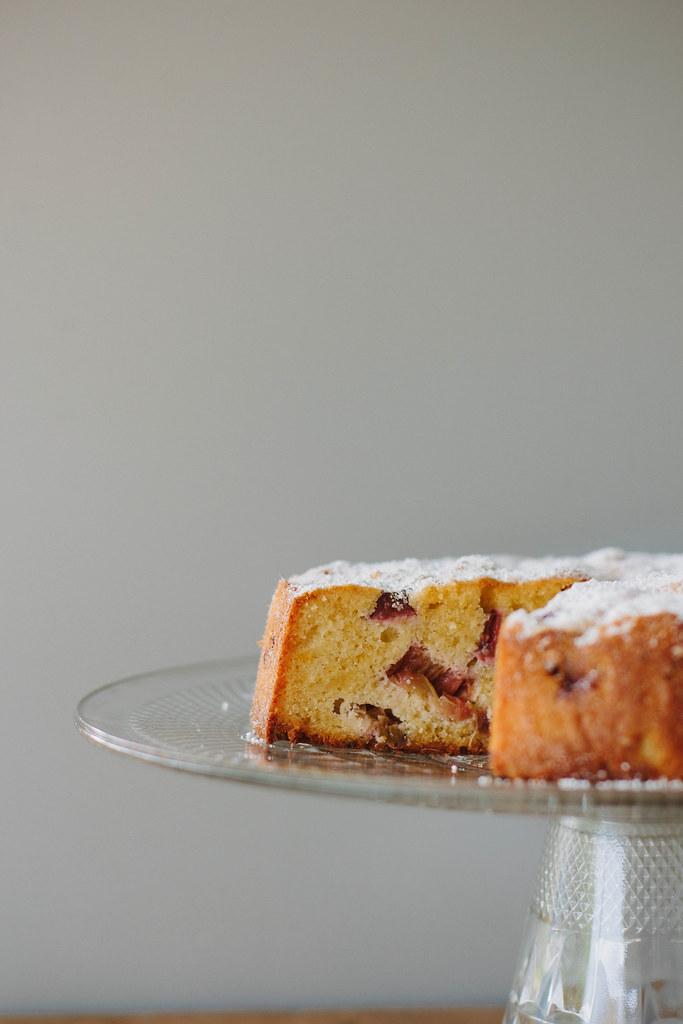 flourless rhubarb + lemon cake