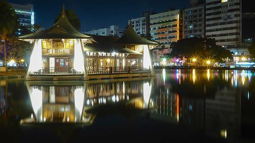 park longexposure lake night reflections landscape nightscape taiwan olympus taichung 夜景 台中 em1 台中公園 taichungpark 湖心亭 1240mmf28 taichungparkpavilion